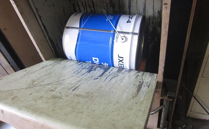 圧縮前のペール缶